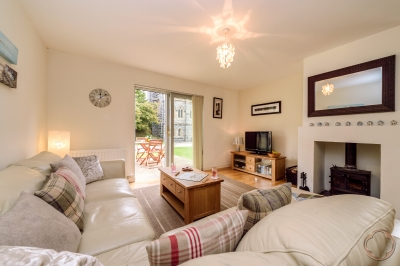 luxury rental cottage in Fort Augustus available through the Highland Club Direct that sleeps 4 people in 2 beautiful bedrooms